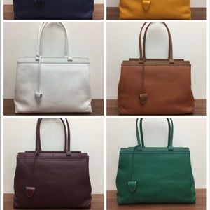 $200 Goyard bag